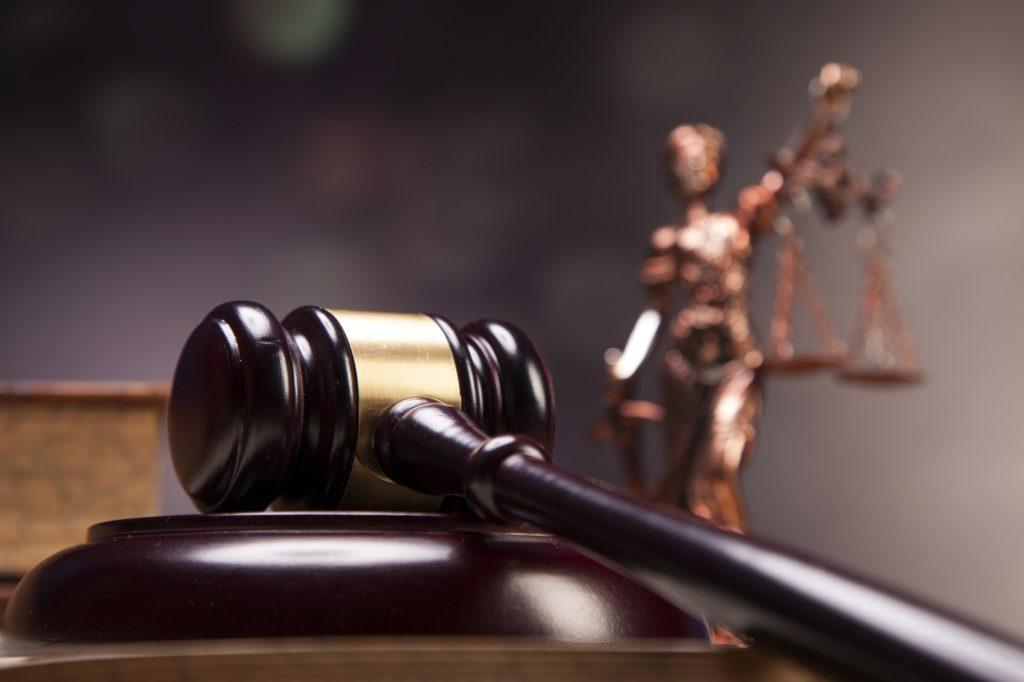 Суд удовлетворил все исковые требования о взыскании долга и неустойки по договору поставки